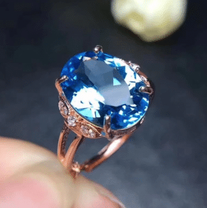 A dazzling Blue Topaz ring