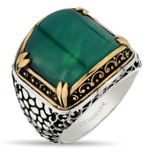Beautiful ring with green agate stone