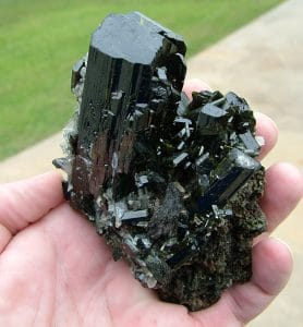 Epidote in quartz example